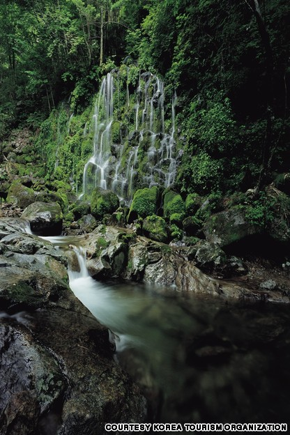 Silk Fall, Jiri Mountain (지리산 뱀사골 실비단폭포)