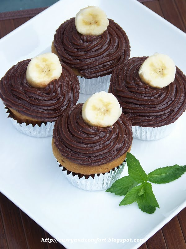 ... Peanut Butter and Banana Cupcakes with Nutella Cream Cheese Frosting