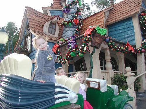 Toon Town Goofy House Disneyland