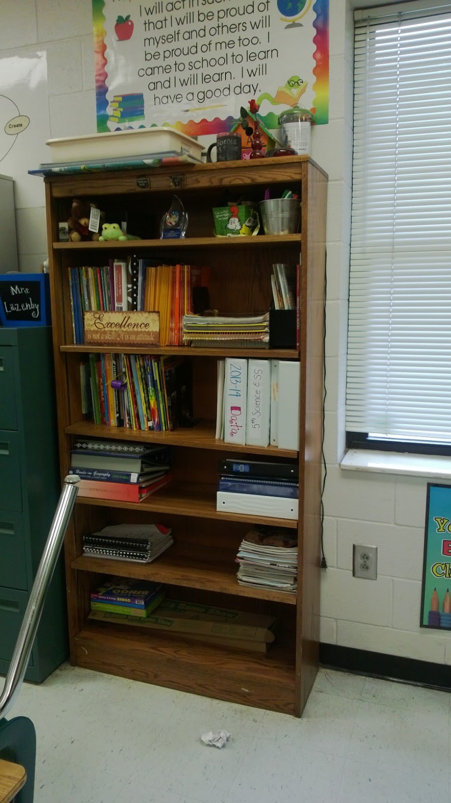 Classroom Bookshelf Ideas ~ Creative ideas for the upper elementary classroom