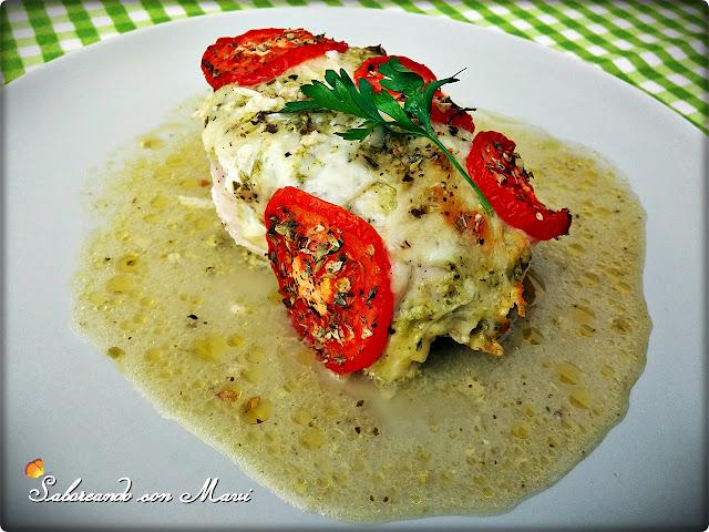 Pechugas De Pollo Exprés Al Pesto Con Queso Y Tomate
