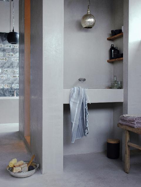 Latinspiration argentijnse landelijke sfeer met leem en tadelakt - Tadelakt salle de bain ...