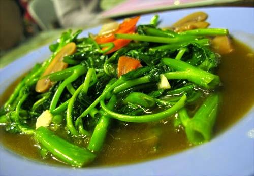 Resep Masakan Oseng Kangkung Bumbu Terasi Pedas Enak