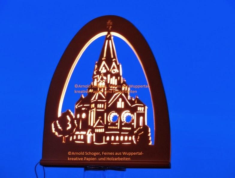 Die Friedhofskirche in Wuppertal Elberfeld Nord als Schwibbogen ...