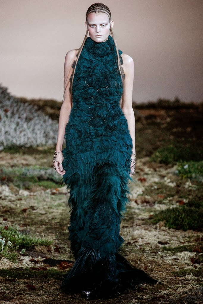 Alexander McQueen Paris Fashion Week Otoño Invierno 2014-2015 27