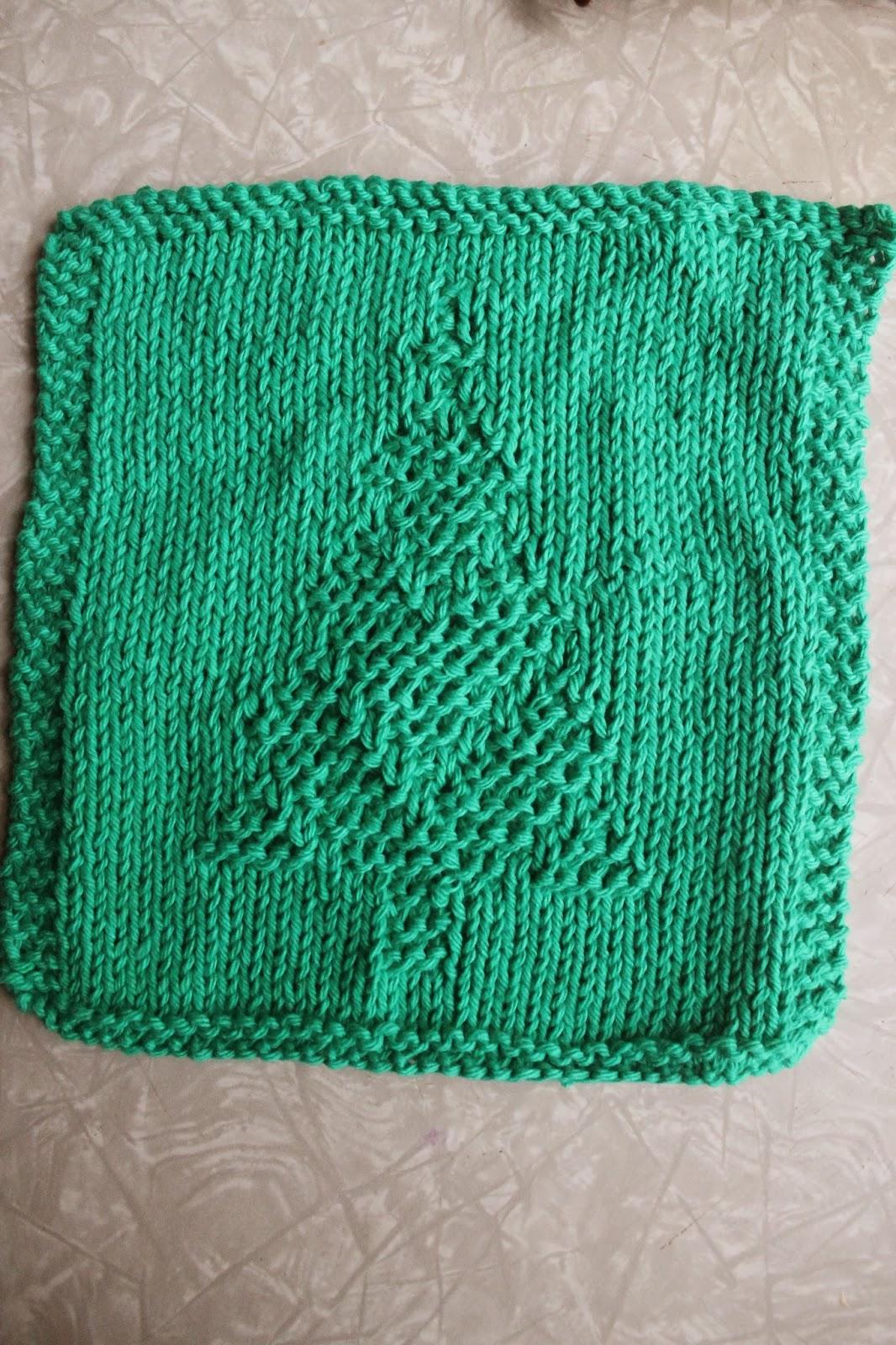 Knitting Pattern Dishcloth Christmas Tree : Everyday Life at Leisure: Weekly Dishcloth: Knitting the Christmas Tree Pattern