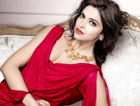Beautiful Hot Bollywood Actress Deepika Padukon