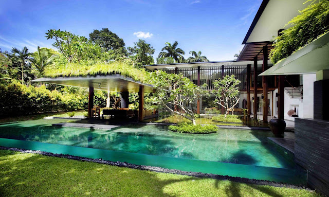 Contemporary Tropical House Roof Garden Idea