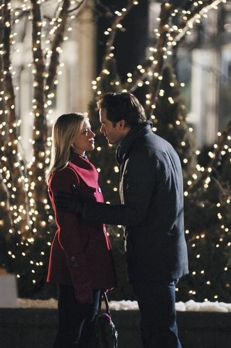 plot - 12 Dates Of Christmas Movie
