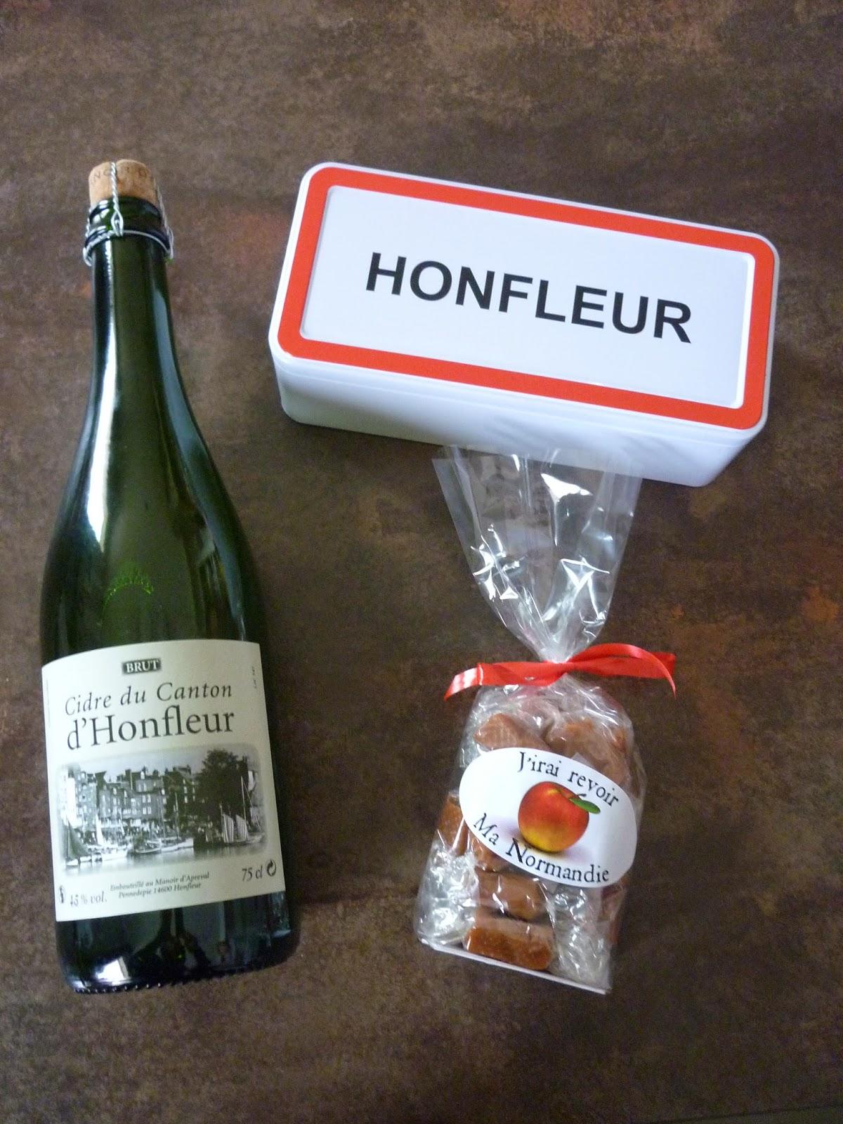 Souvenir de Honfleur - cidre - caramels - boîte à gâteaux