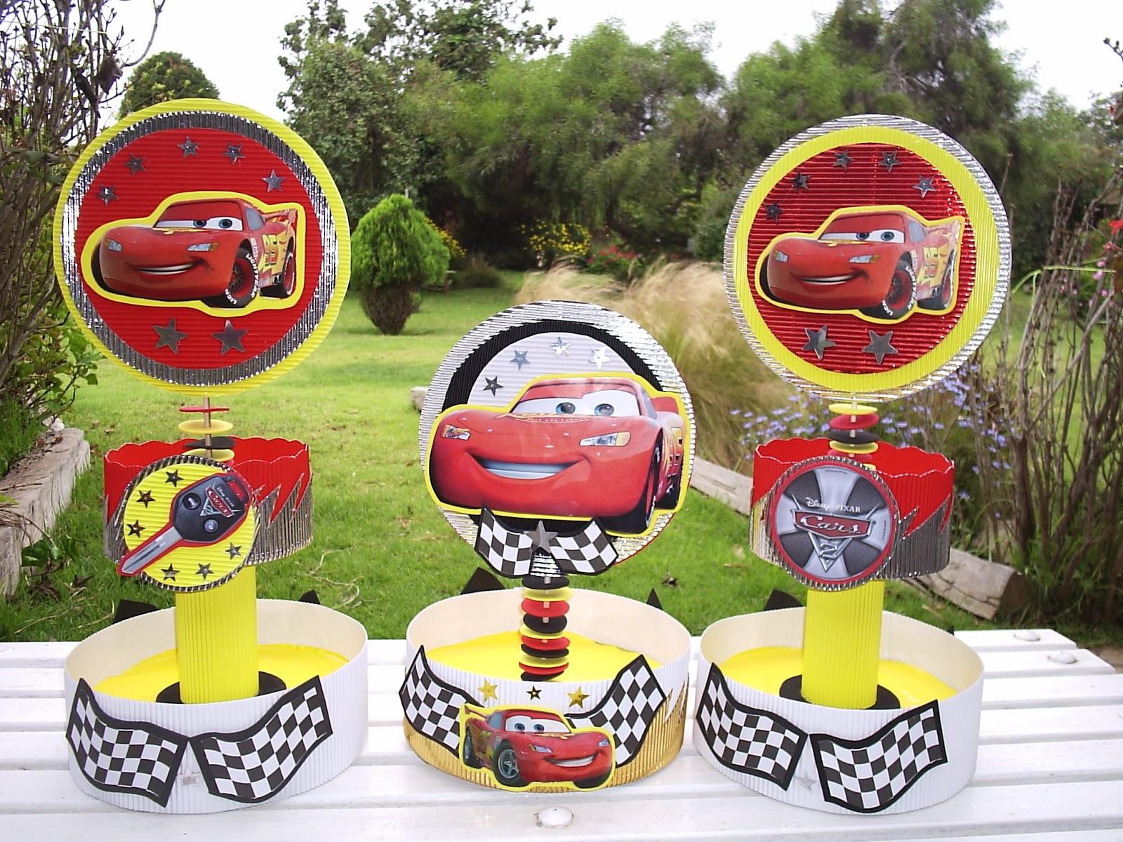 Centro de mesa de Minnie Mouse para un cumpleaños Disney