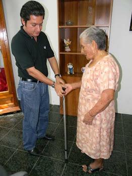 El DIF de Nanchital ayuda a Adultos mayores