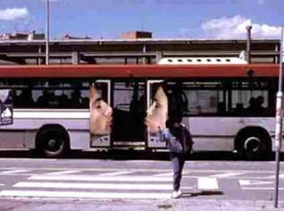 smešne autobus reklame ljubljenje ljudi