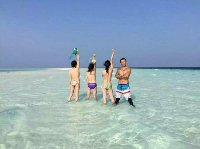Gambar Pelancong Asing Bogel di Pulau Sibuan Semporna Sabah Viral