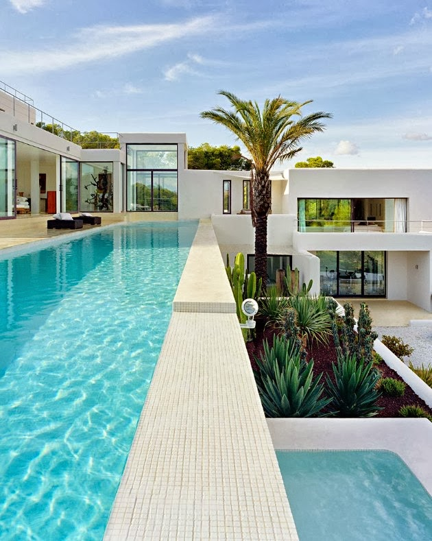 Swimming pool in Dream Home by Jaime Serra
