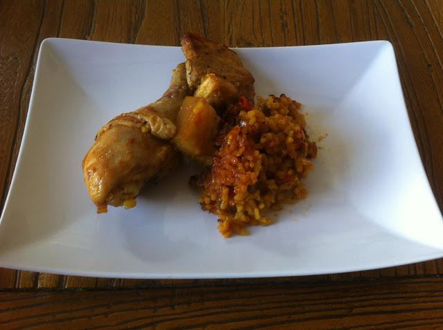Arroz con pollo y costilla de cerdo