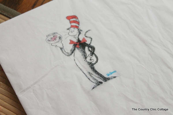 Dr. Seuss Gift in a Jar for Teachers -- a fun 15 minute craft that will make a great gift in a jar for that special teacher.
