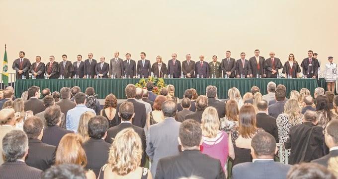 ESTADUAL: TRE diploma candidatos eleitos no CE