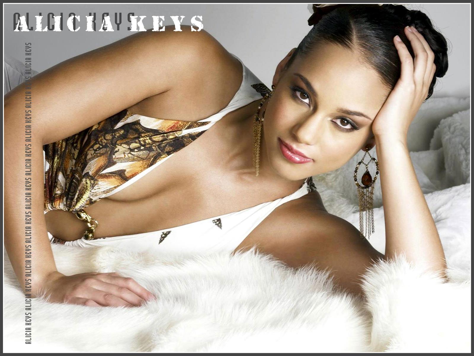 http://2.bp.blogspot.com/-AfIhy8_-ChI/ULoggklBr1I/AAAAAAAADEI/UwJT3YKAI2M/s1600/Alicia-Keys-1.jpg
