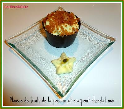 Image Mousse de fruits de la passion et craquant chocolat noir