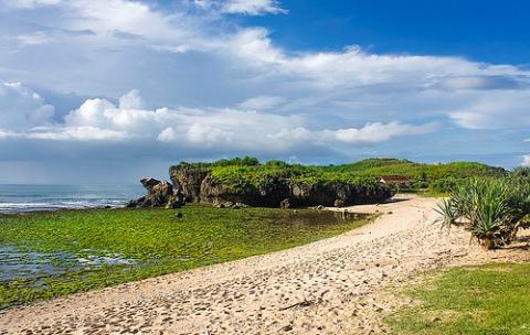Wisata Pantai di Jogja Yogyakarta - Pantai Krakal Gunung Kidul