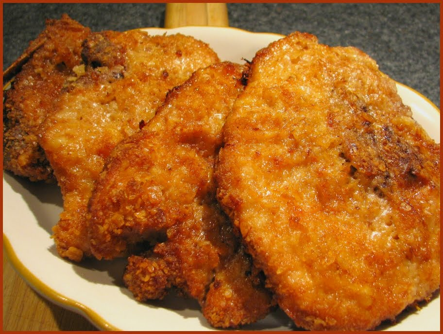 Pan-fried Pork Chops With Creamy Gravy Recipe — Dishmaps