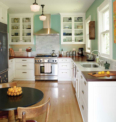 Creative juice what were they thinking thursday kitchen layouts for Farmhouse kitchen design pictures