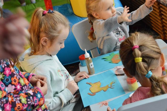 targi, zajęcia plastyczne dla dzieci, żłobek zaczarowany melonik,