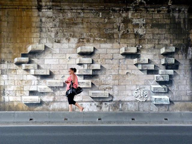Ladrillos sobre la pared. El mejor arte callejero, espectacular street art
