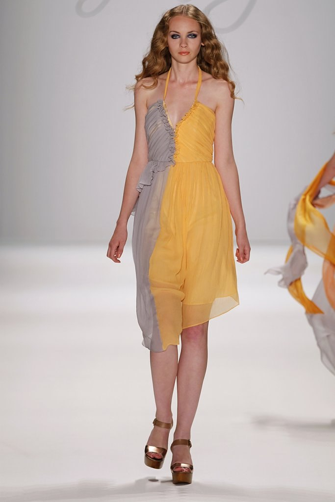 7987 fsmercedesbenzfashionweek0fridaweyer at mbfwb s s 2012118 - 2012 Koleksiyonlar� [Frida Weyer]