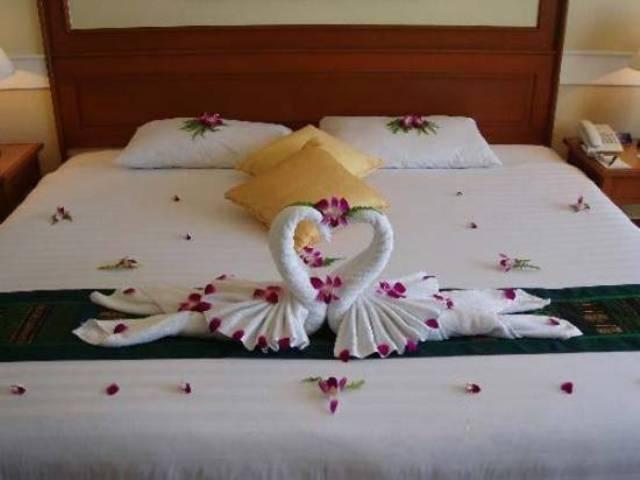 Dekorasi warna kamar tidur yang romantis