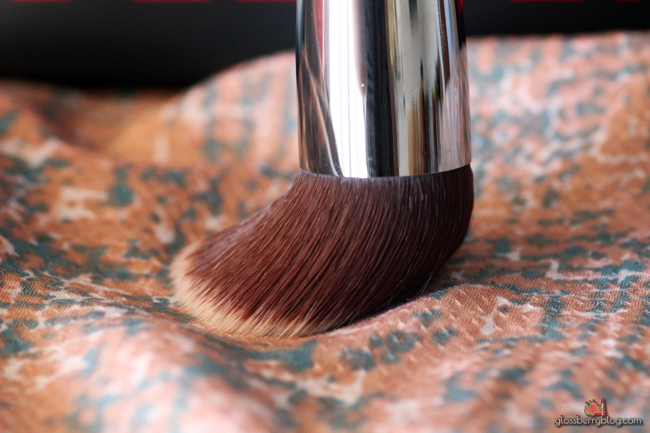 sigma f80 80 kabuki flat makeup foundation brush review סקירה המלצה קבוקי מברשת פנים מומלצת למייקאפ קולורסטיי דאבלוור סיגמא סיגמה בלוג איפור וטיפוח לוסברי