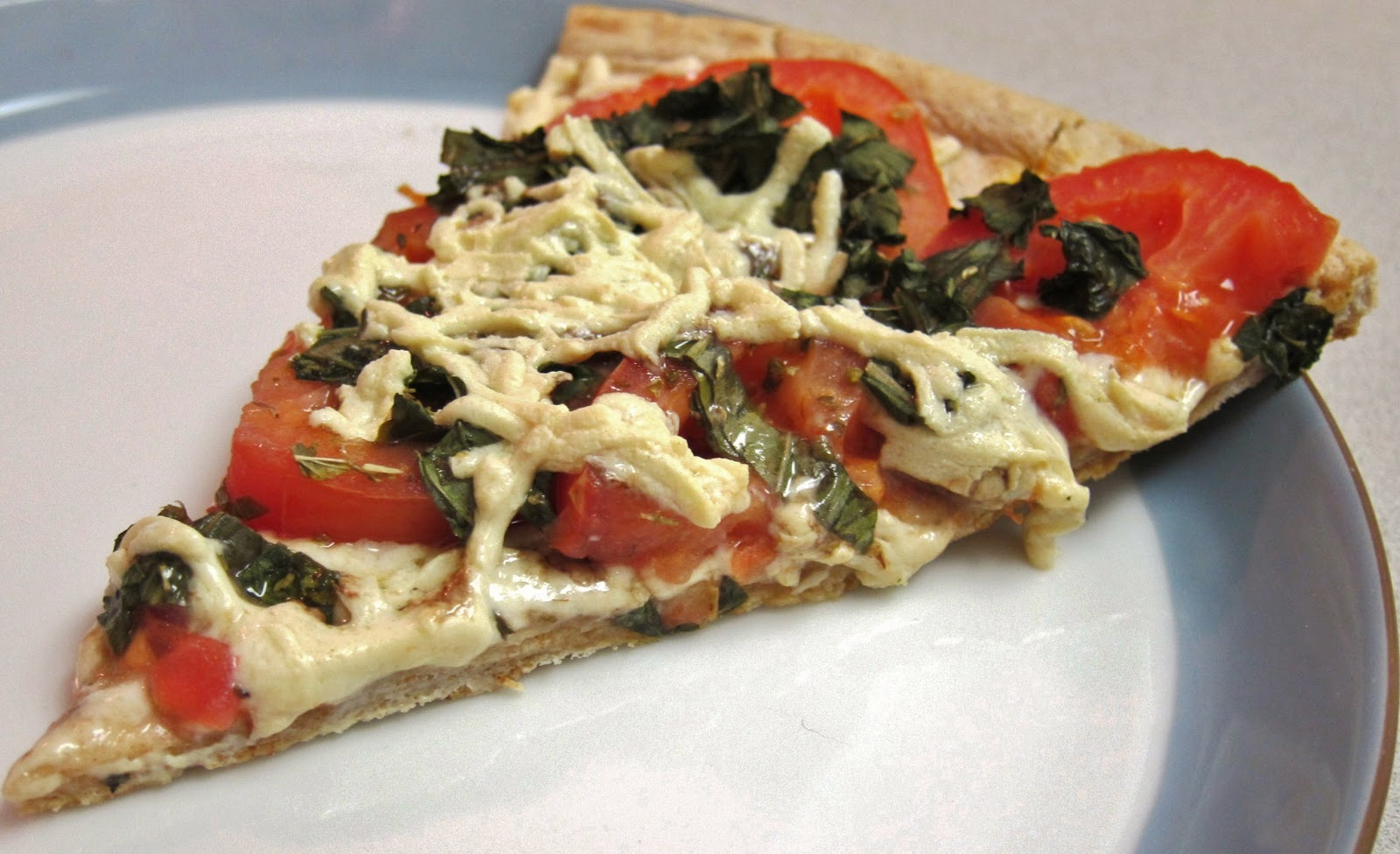 The Vegan Chronicle: Tomato-Basil Pizza