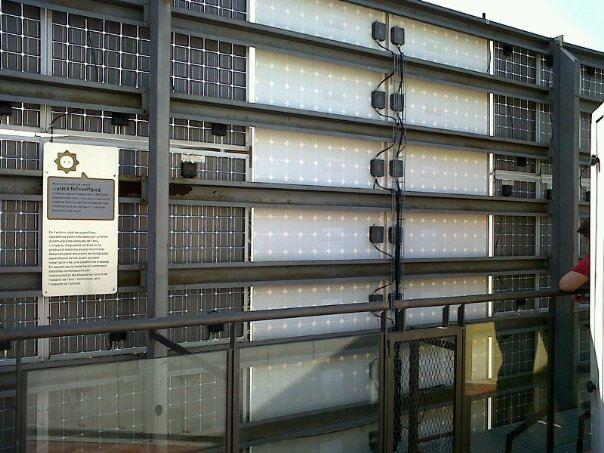 Un paseo por barcelona for Placas solares barcelona