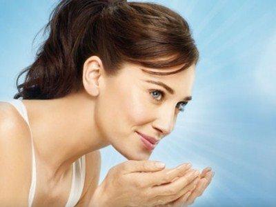 Las vitaminas para la persona y la piel de las arrugas