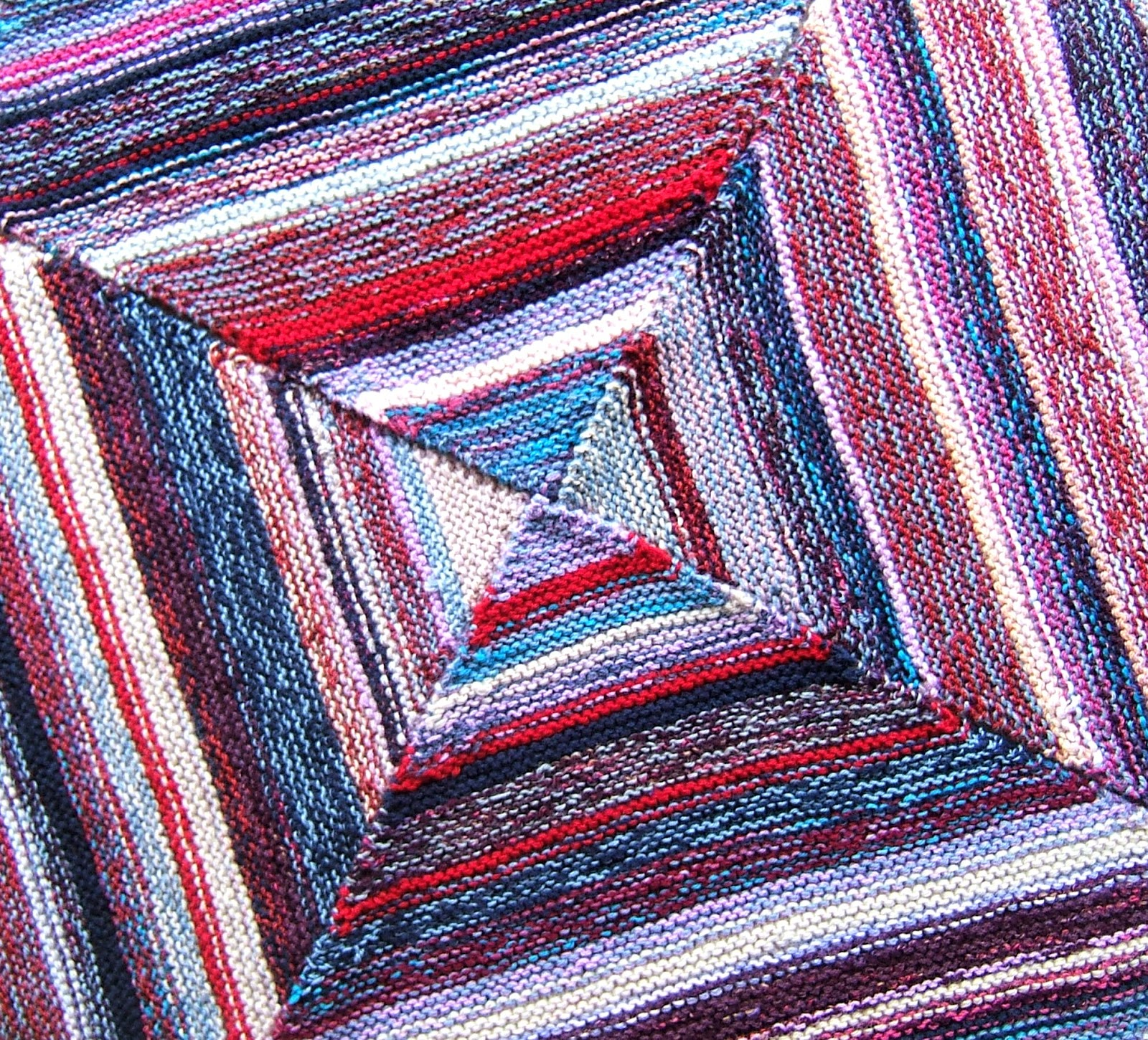 aussie knitting threads: Squares within squares