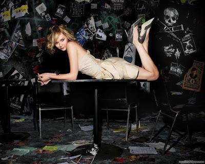 Kirsten Dunst Latest Wallpaper-1440x1280