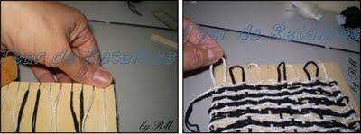 Após terminar as carreiras, tire as alças de linha dos dentes do mini tear para remover a peça