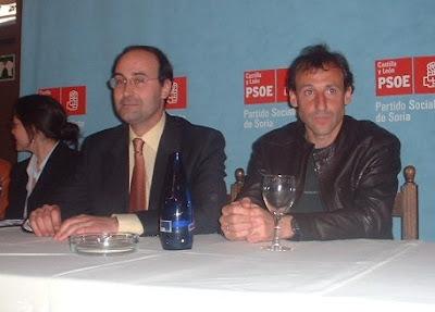 Cacho, en un acto del PSOE en 2003