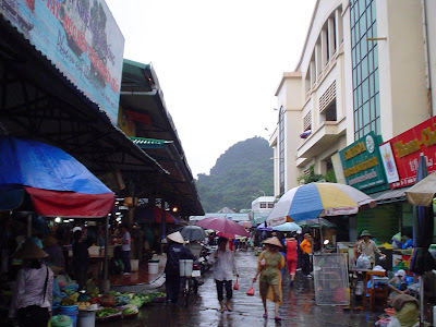 Non La (Vietnamese hat or conical hat). Rain in Ha Long (Vietnam)