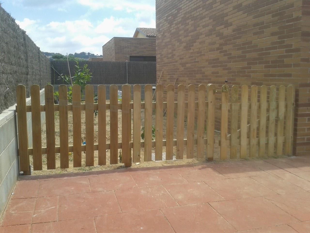 uac valla de madera para perros