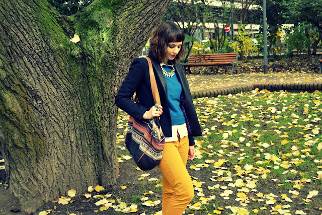frange-courte-sac-zara-navajo-aztec-pantalon-moutarde-look
