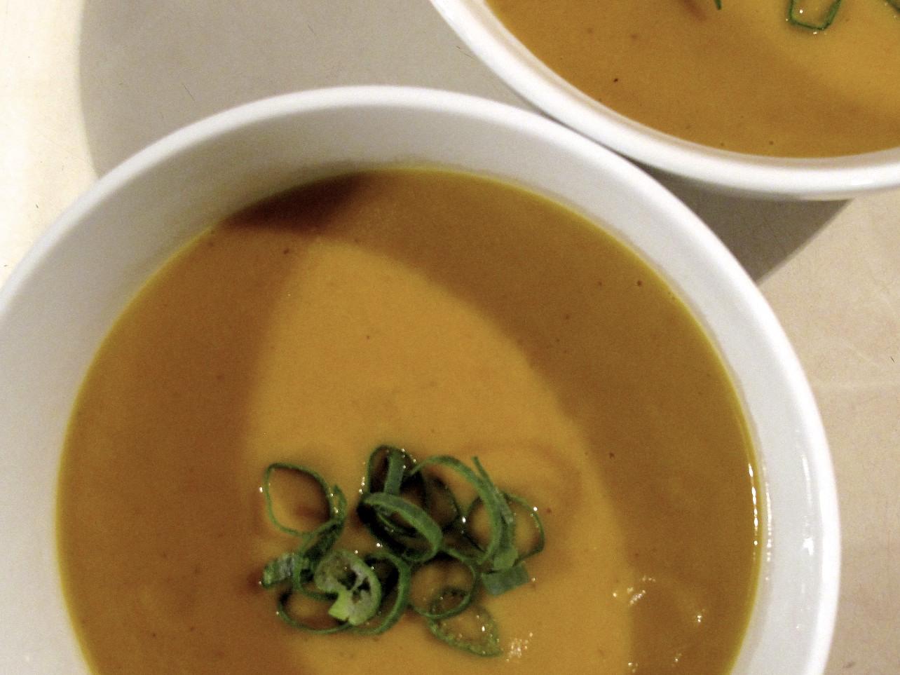 christine cooks vegetarian: Greens restaurant Black Bean Chili