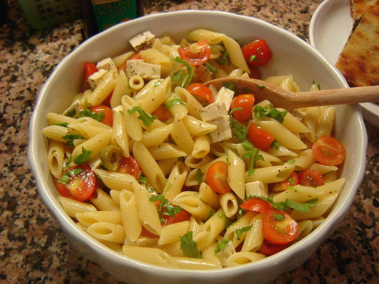 A la italiana ensalada fresca de pasta - Ensalada fresca de pasta ...