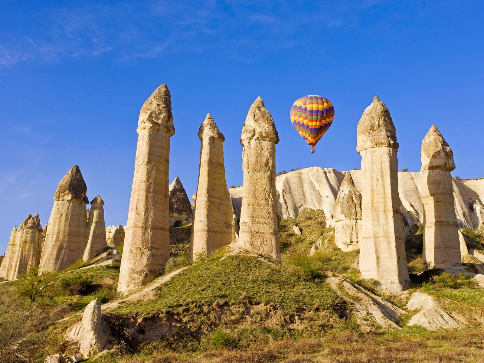chimeneas de hadas y el vuelo en globo