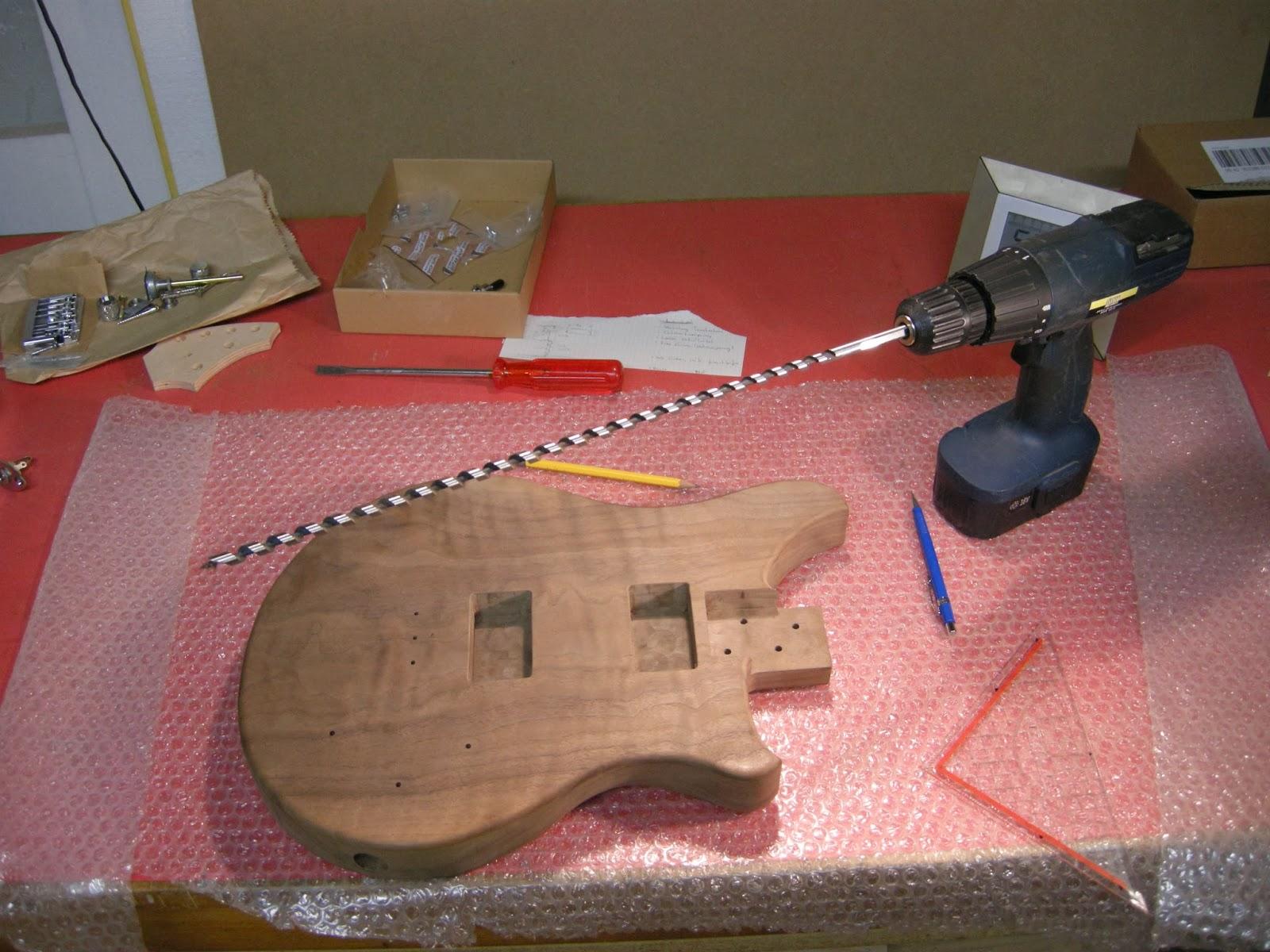 Tonabnehmer (Bau)   Who says you need to buy a guitar?