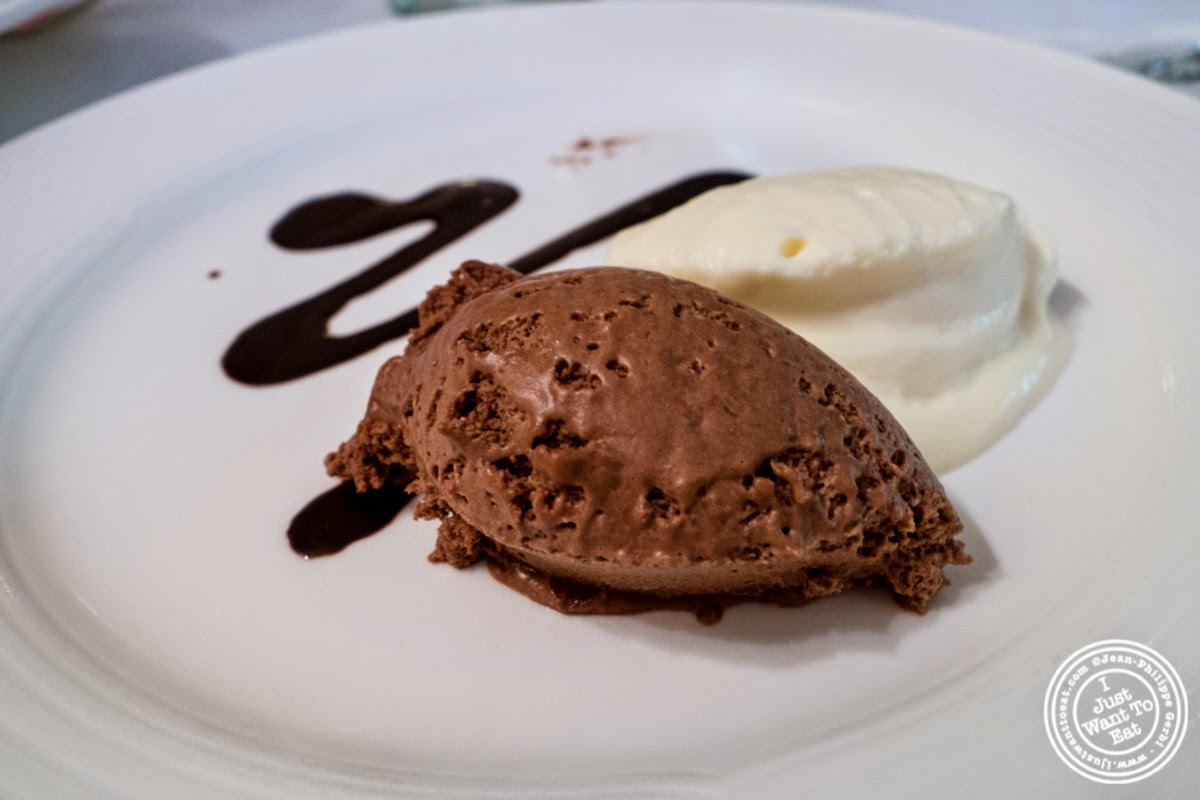 image of chocolate mousse at Le Périgord in New York, NY