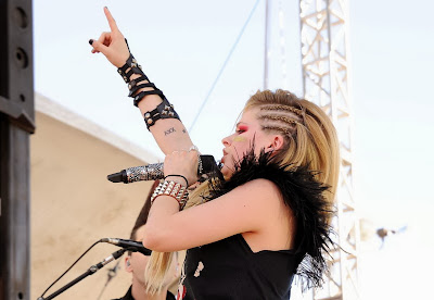 Avril Lavigne's Hairstyles 2013