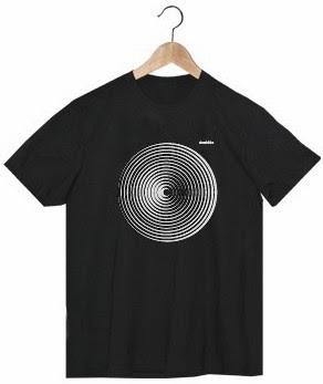 http://strambotica.es/es/11-camiseta-chico-gd.html