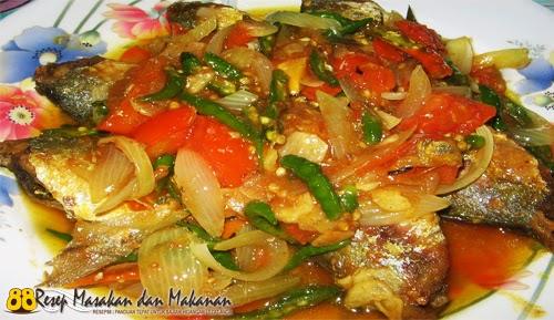 Ikan Bumbu Cabe Hijau